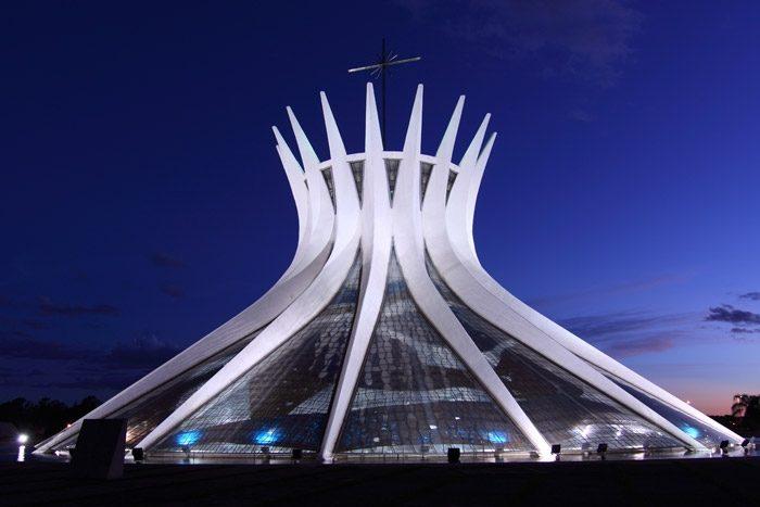 Бразилиа. Собор Пресвятой Девы Марии.