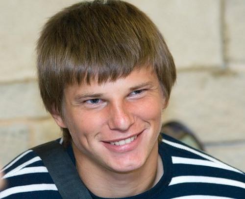 736 Блестящая карьера  в футболе. Футболист Андрей Аршавин.