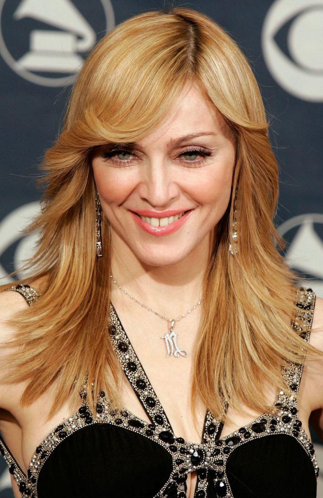 901 Певица Мадонна
