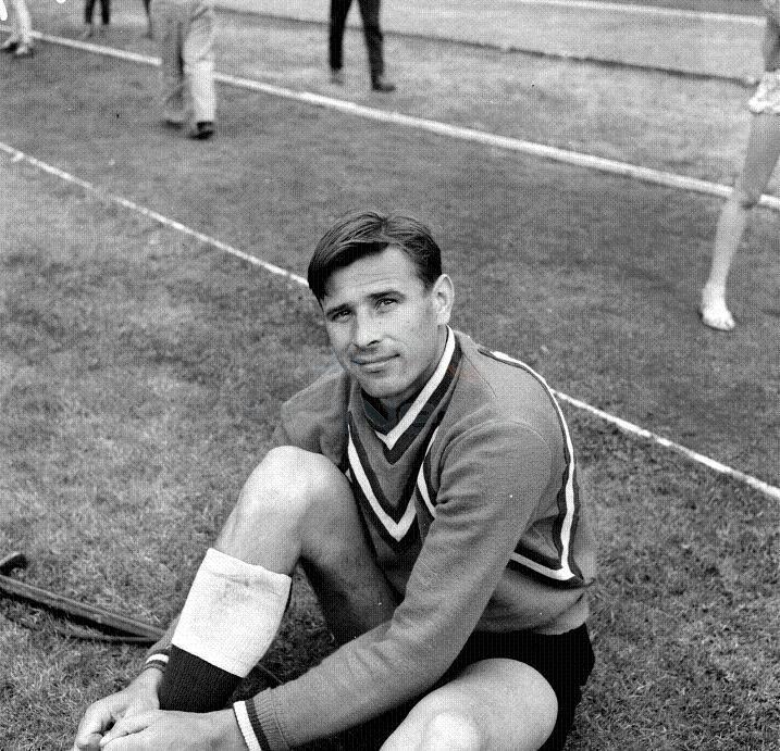 881 Его помнят как блестящий вратарь и истинный спортсмен. Футболист Лев Яшин.