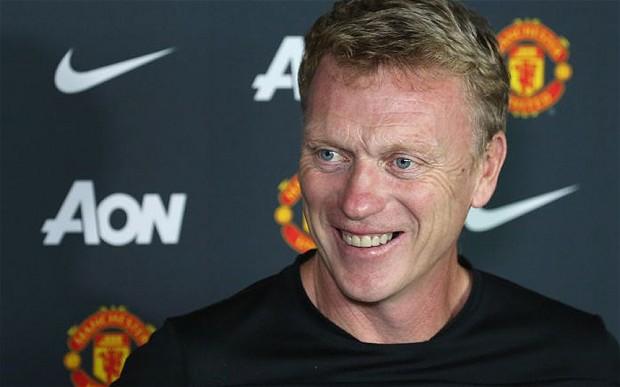 818 Футболист Дэвид Мойес - шотландский бывший футболист и действующий менеджер Манчестер Юнайтед с июля 2013 .