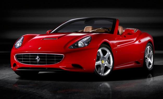 504 Женевское автошоу. Новые споротивные авто  Alfa Romeo 4C Spider,  Ferrari California T.