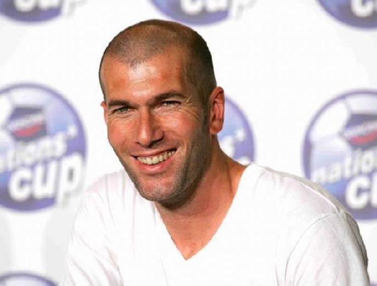 994 Футболист Зинедин Зидан. Его считают одним из самых великих игроков за всю историю.