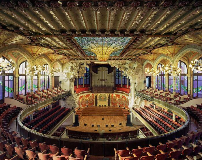 Испания. Дворец каталонской музыки.