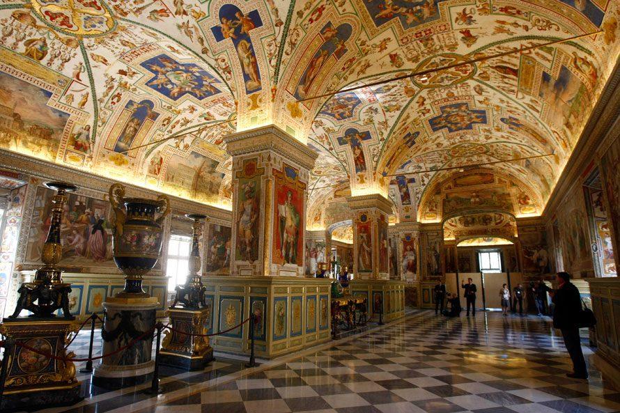 Ватикан. Ватиканская апостольская библиотека.