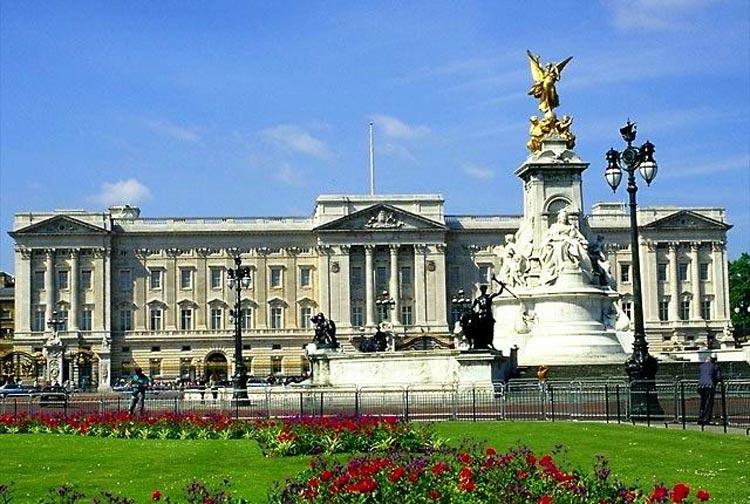 Великобритания. Букингемский дворец.