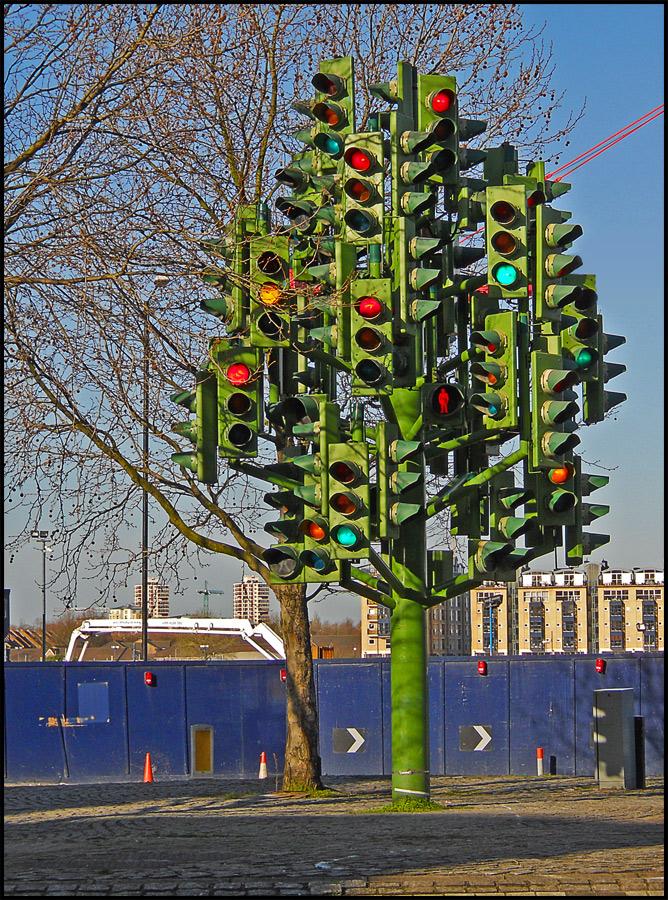 Канада. Светофорное дерево