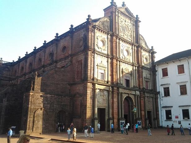 1382 Индия. Базилика Бон Жезус.