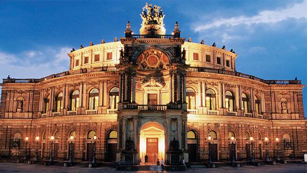 Германия. Опера Земпера.