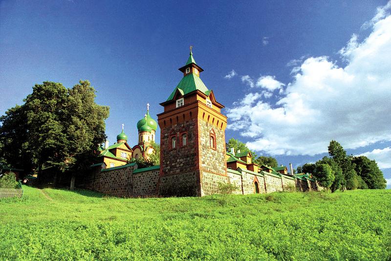 Эстония. Пюхтицкий монастырь.