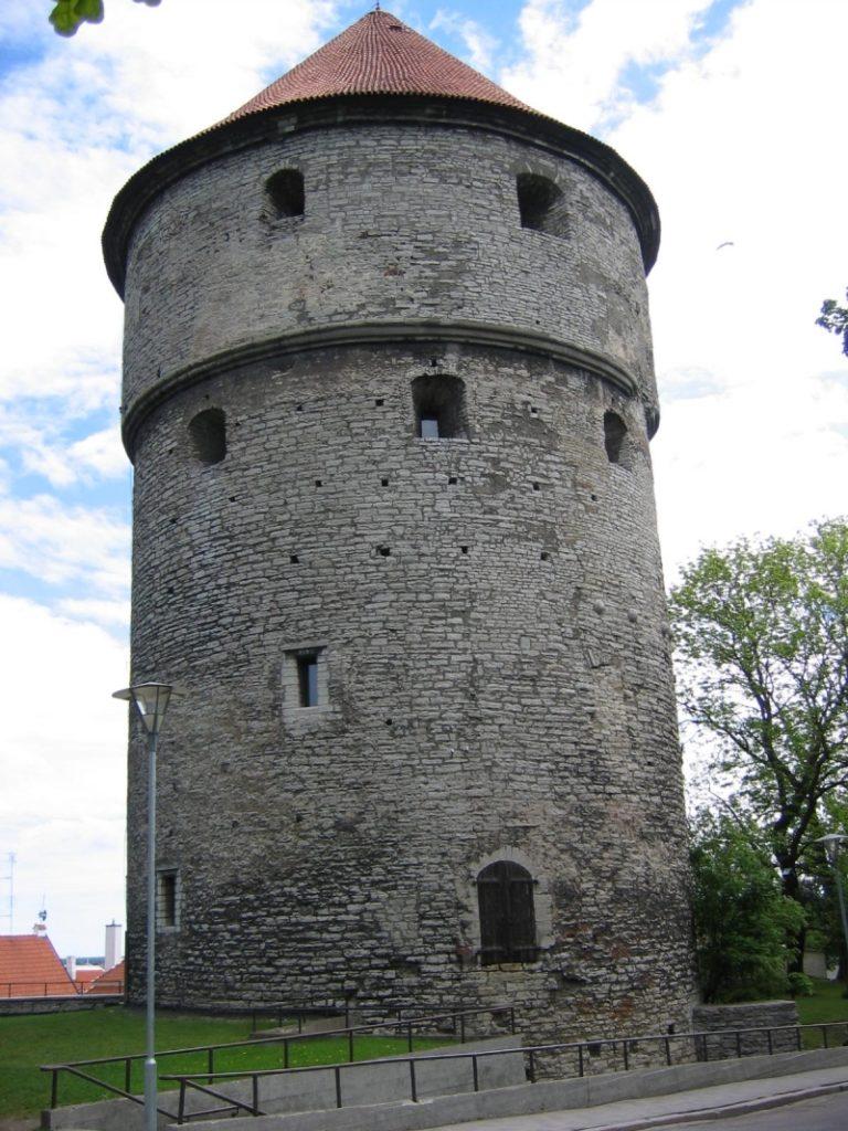 Эстония. Башня Кин-ин-де-Кёк.