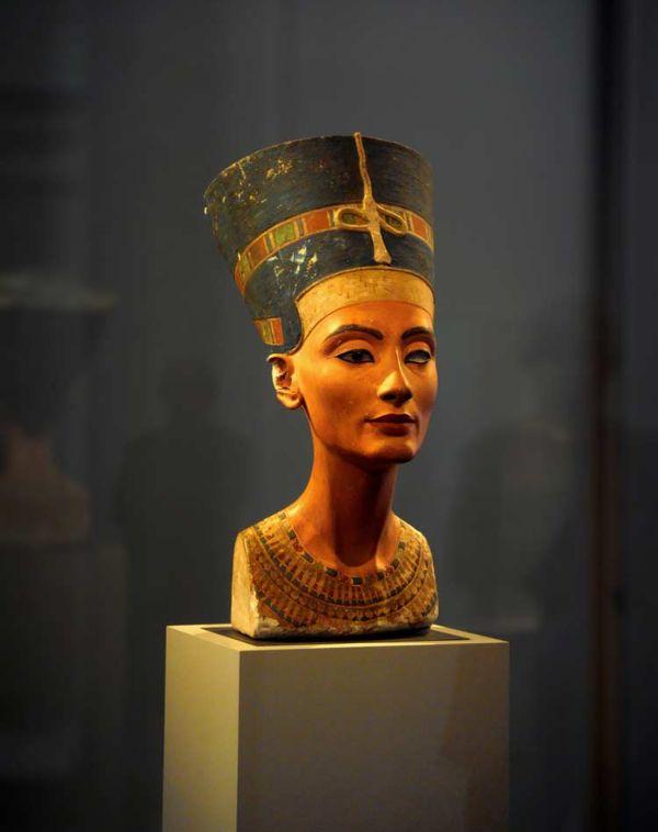 2510 Египет. Скульптурные портреты царицы Нефертити