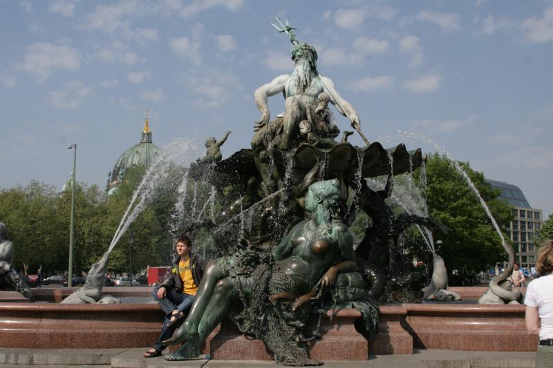 Германия. Фонтан Нептун