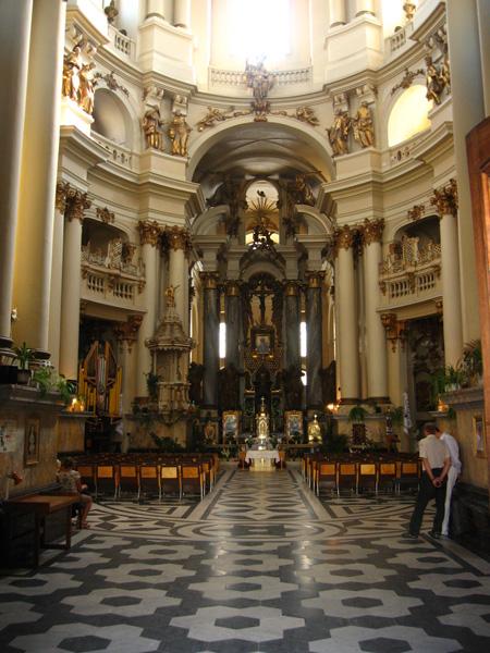 Украина. Доминиканский монастырь и собор.