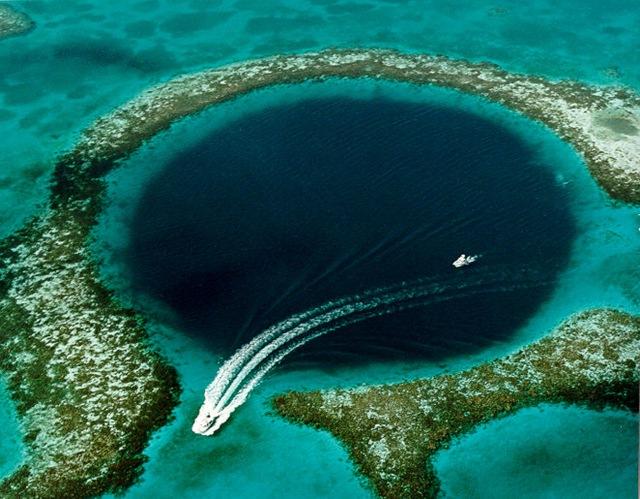 3933 Багамские Острова. Голубая дыра Дина.