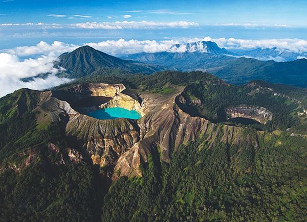 Кения. Вулкан Мененгай.