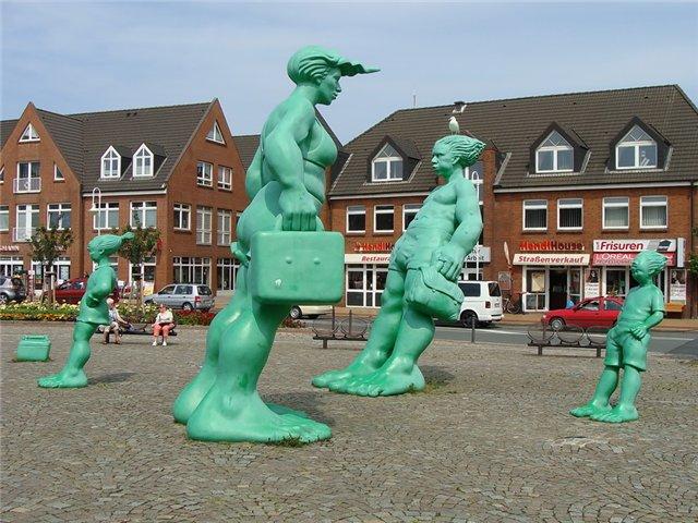 Германия. Памятник ветру (Зеленые человечки)