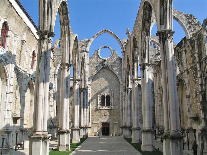 Португалия. Кармелитский монастырь.