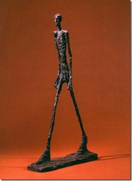 2502 Скульптура Альберто Джакометти Шагающий человек