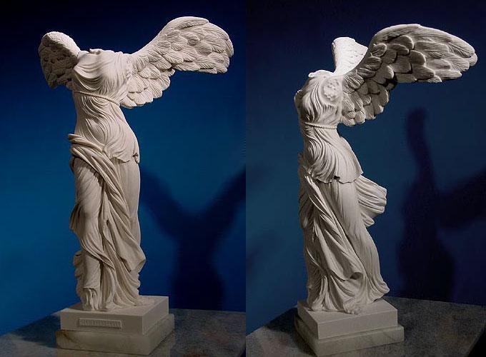 2506 Франция. Скульптура Ника Самофракийская