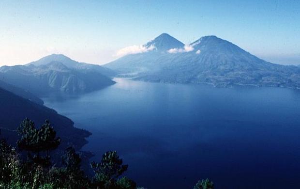 5842 Гватемала. Атитлан.