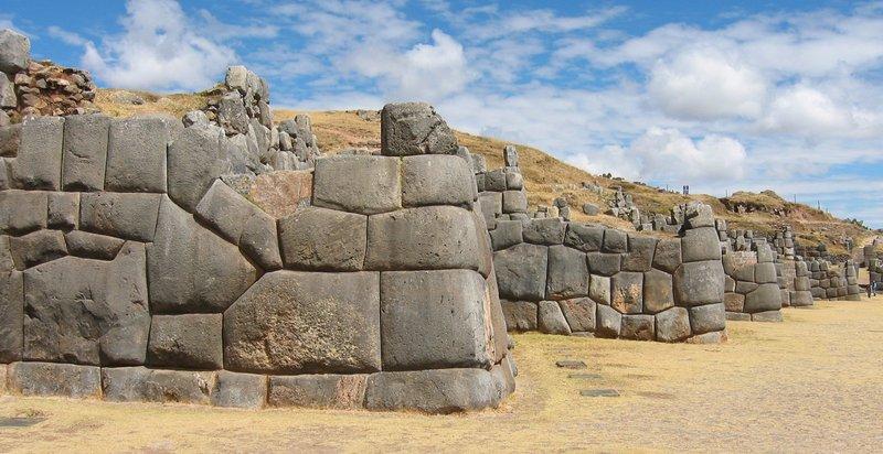 Перу. Саксайуаман.
