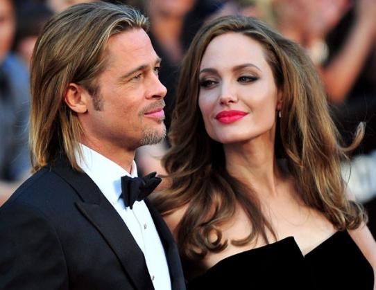 Брак Анджелины Джоли с Брэдом Питтом 'чувствует себя отличающимися' !