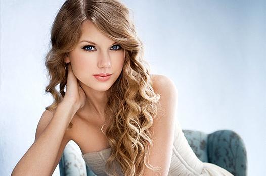 Тейлор Свифт вынимает альбомы из вытекания на Spotify !