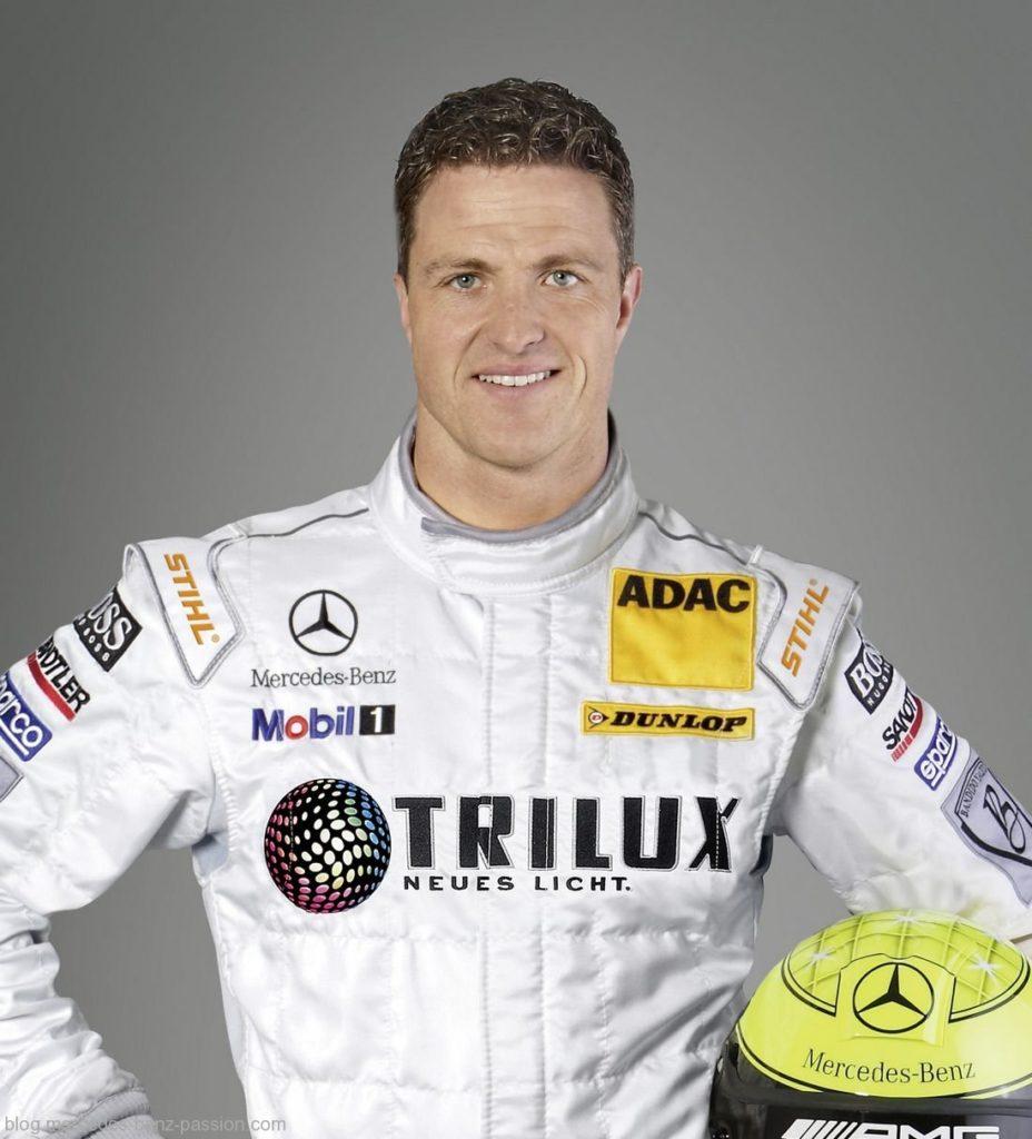 Он сделал переход к автомобильным гонкам в немецкой Формуле Тремя Чемпионатами- гонщик Ральф Шумахер.