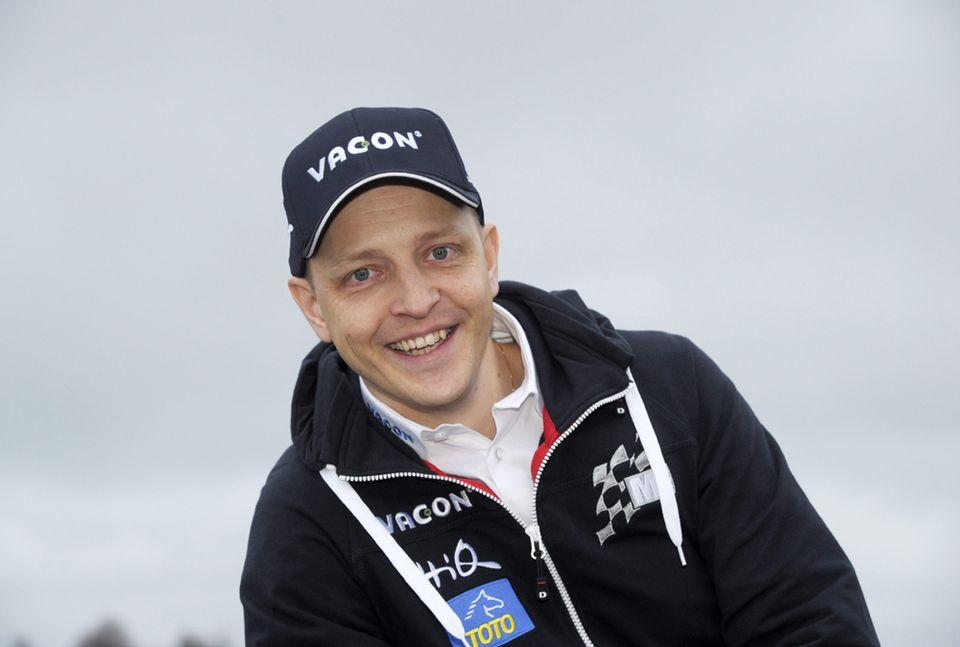 В настоящее время ездящим для M-спорта на Чемпионате Ралли World, гонщик Микко Хирвонен.