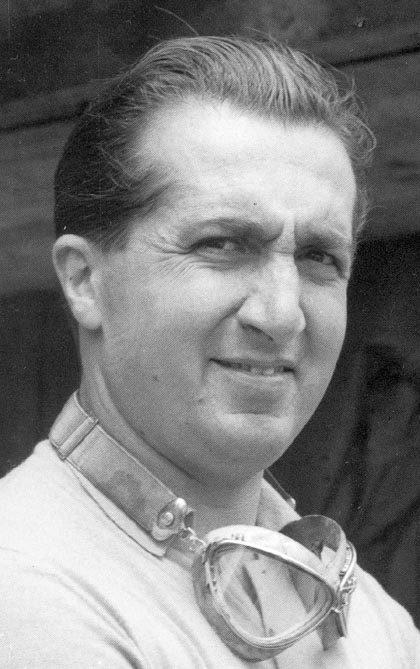 Альберто Аскари — был итальянский гонщик и дважды Чемпион мира Формулы Один.