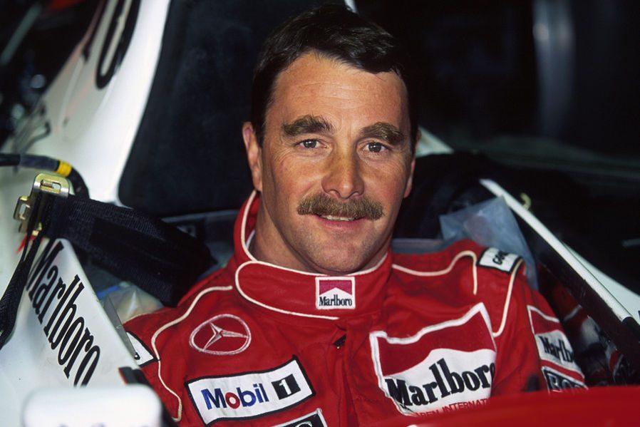 Гонщик Найджел Эрнест Джеймс Мэнселл, выиграл и чемпионат мира Формулы Один (1992).