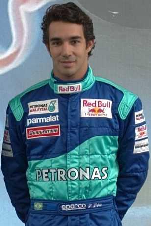 Он участвовал в 99 Формуле Один Grands Prix, гонщик Педру Паулу Диниц.