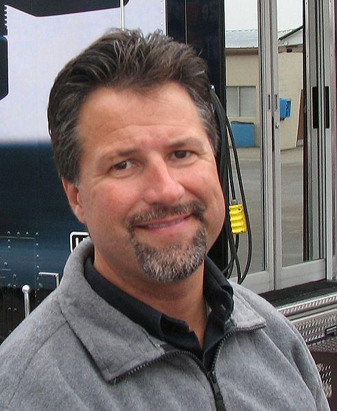 Гонщик Майклом Марио Андретти – владелец Автоспортивной команды Андретти.