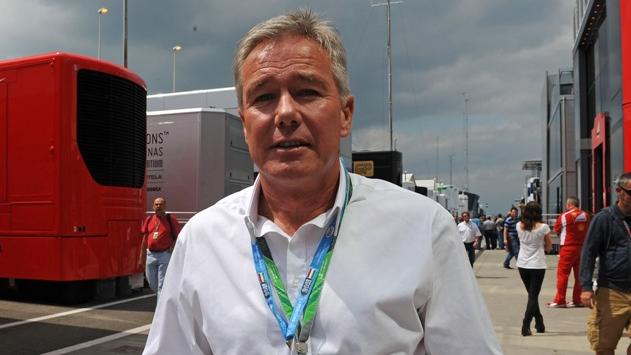 Крэйг Поллок, был менеджером водителя Формулы Один.