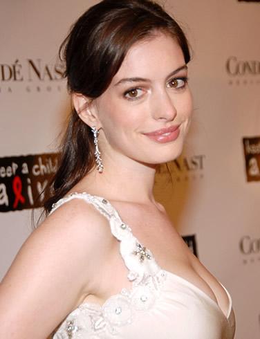 Актриса Энн Хэтэуэй ( Anne Hathaway )