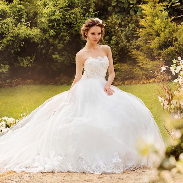 Свадебные платья 2015 года. Самые новые тенденции весны.