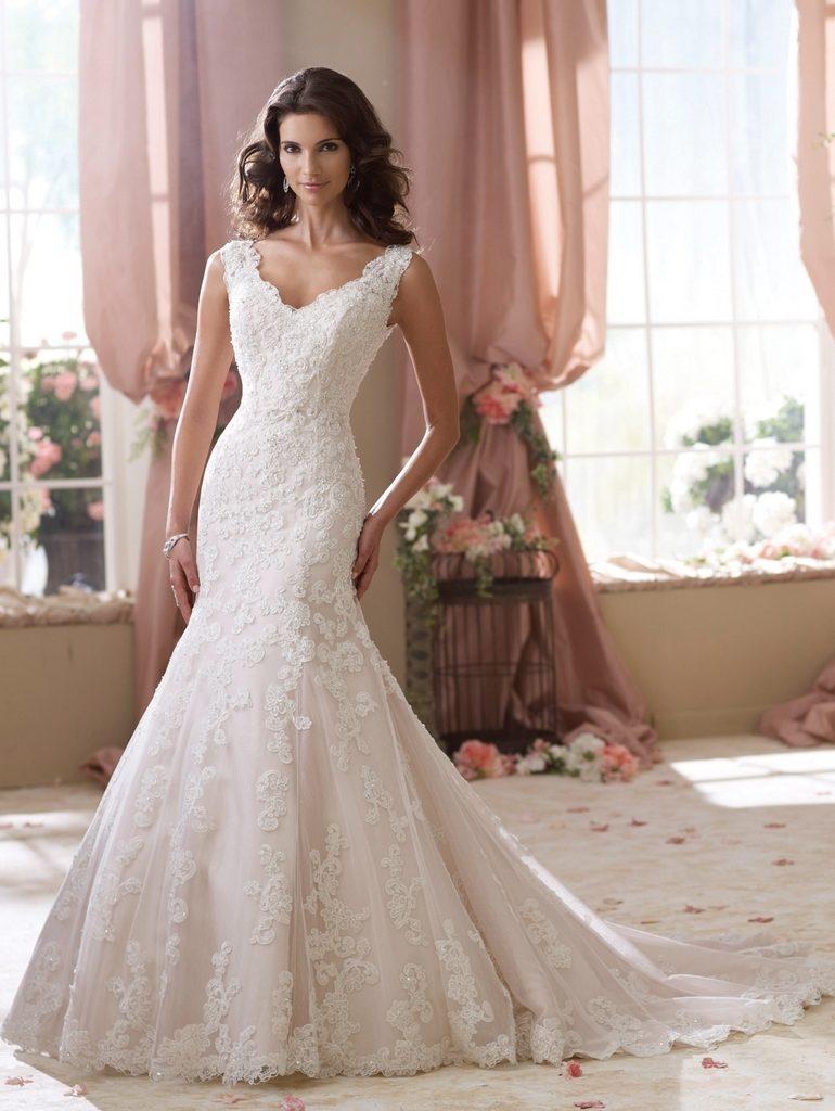 Новый 2015 год принес новый стиль для осеннего свадебного платья. Как невесте правильно сделать свой выбор ?