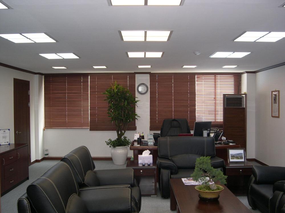 Разнообразие светильников для офиса