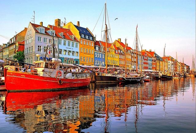 25895 Копенгаген – в гостях у сказки