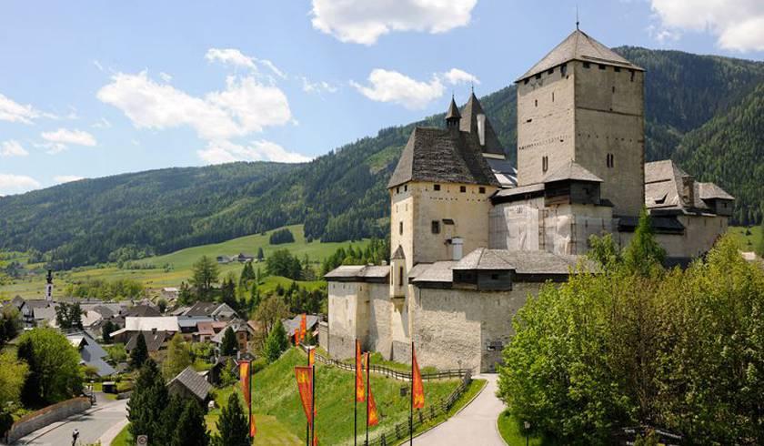 Замок Маутерндорф (Австрия)