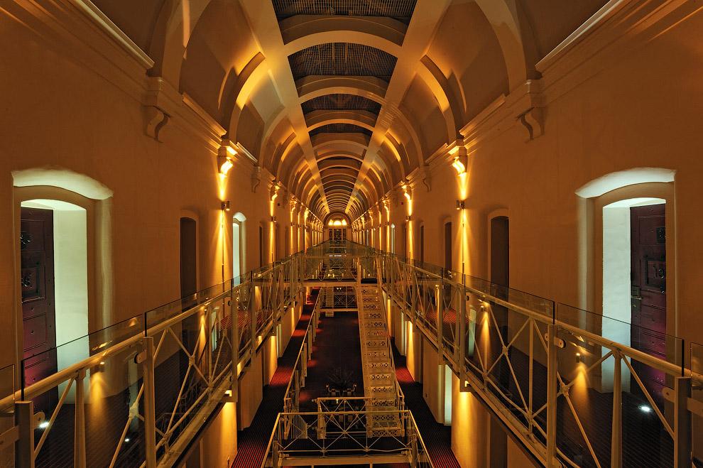 Отель-тюрьма в Оксфорде