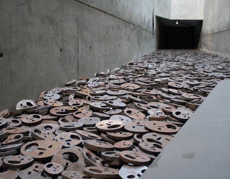 Еврейский музей в Берлине. Конец экскурсии