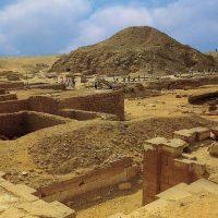 27611 Пирамида Унаса в Египте