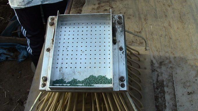 Сеялка для семян: изготовление своими руками