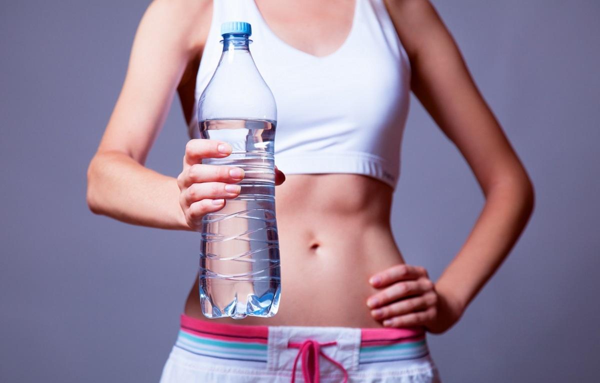 Чем вода полезна для похудения?