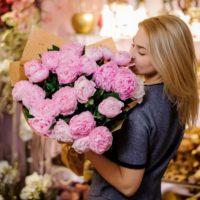 32987 Красивая доставка цветов в корзинах от нашего магазина