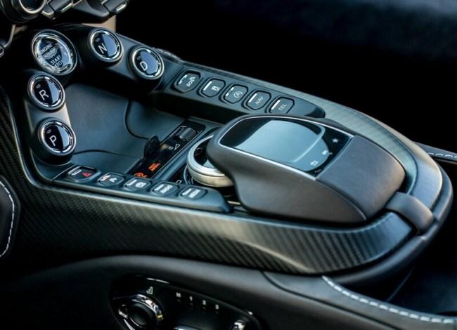 33792 Правь, Британия: тест суперкаров Aston Martin. Aston Martin DBS Superleggera