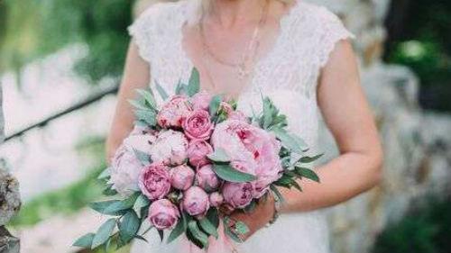 к чему снится мама в свадебном платье