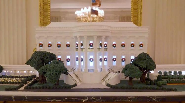 Мелания Трамп показала, как украсила Белый дом к Рождеству с помощью волонтеров со всей Америки